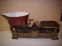 Altes Antikes Küchenwaage Balkenwaage Haushaltswaage Gusseisen Shabby Chic