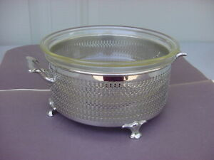 VINTAGE CLEAR GLASS CASSEROLE DISH IN A MANNING BOWMAN SERVER