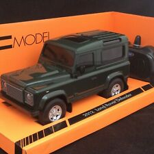 Welly 1:24 Scale Green 2012 Land Rover Defender RC Car With Working Lights New