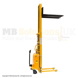New 1500kg Semi Electric Fork Lifter Mover Stacker 3 m lift VAT Inc In Stock