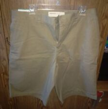 Men's Perry Ellis Cotton British Khaki Walk shorts. Size 34 Waist. New With Tags