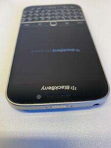 BlackBerry Classic 16GB unlocked Smartphone+Accessories (Qwerty Pad)