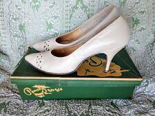 Size 9A Vintage Lon' Du Le Originals White stilettos