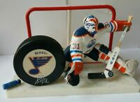 GRANT FUHR HOF SIGNED VINTAGE ST. LOUIS BLUE PUCK + LOT NHL MCFARLANE FIGURE