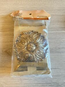 """VTG Peacock Tieback Holders French Provincial Gold curtain accessory 4.5"""" Graber"""