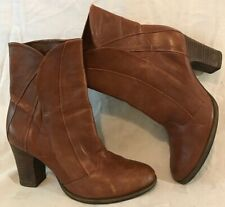 Clarks Brown Ankle Leather Lovely Boots Size 5.5 (721v)