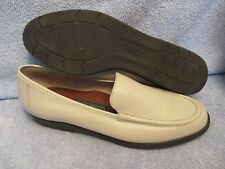 Womens Shoes EASY SPIRIT Size 10 B 2A IVORY FLATS LN