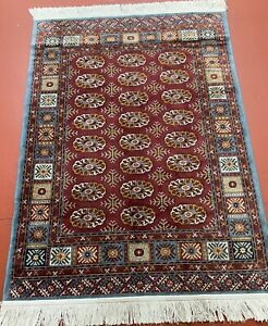 Belgium Machine Made Beautiful Bukhara Design Rug Soft FIBRE 100% SPUN RAYON