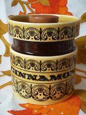Rétro Vintage Hornsea C parchemin Cinnamon Spice Pot Bocal encastrée en bois couvercle 60 s