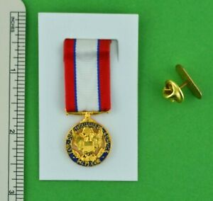 Army Distinguished Service Miniature Medal with holder -USA made ADSM mini medal