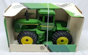 John Deere 8630 / 8640 / 8650 4wd Articulating Tractor By Ertl 1/16 Scale