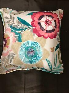 Cushion Cover in Harlequin Komovi