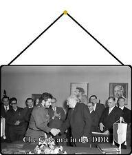Che Guevara in der DDR Handschlag Schild mit Kordel Tin Sign 20 x 30 cm FS1121-K