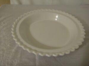 "Chantal White pie plate scalloped edge 9"" x 1"" - 1qt"