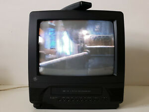 "Excellent Vintage 13"" CRT TV/VHS VCR Combo GE General Electric 13TVR60 w/Remote"
