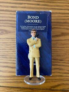 Corgi Icon James Bond 007 ROGER MOORE figure 1998.WHITE TAN RARE