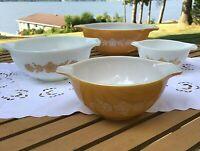 Pyrex CINDERELLA Bowl Set of 4 in Butterfly Gold Pattern  #444, 443  442 441 VTG