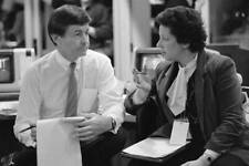 Cbs News Correspondent Bill Plante At Caucus In Des Moines 1984 OLD TV PHOTO