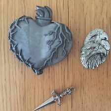lot FLAMING HEART  BARBED WIRE BELT BUCKLE TATTOO STYLE double eagle biker pin