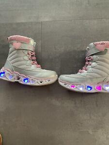 Skechers Schuhe Mädchen Kinder Sneakers Klettschuhe mit Licht Gr. 28 NP 59,99€