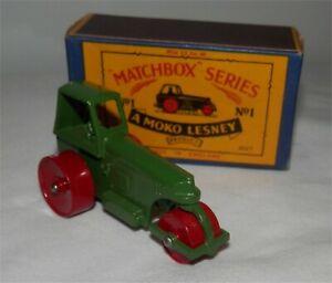 Dark GREEN / DRIVER.1950s.MATCHBOX LESNEY.1 c  Road Roller.Mint in box.original