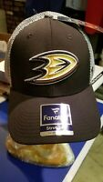 Anaheim Ducks NHL cap/hat L/XL (STRETCH  FIT) - NWT