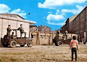 AK, Berlin, US-Soldaten mit Jeep's an der Mauer, Vers. 1, 1960er
