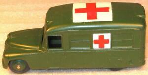 DINKY TOYS No30hm DAIMLER MILITARY AMBULANCE.RARE US EXPORT ISSUE 1952 GOOD USED