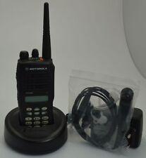Motorola GP380 VHF mit Ladestation + Headset GP 380