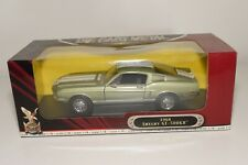A8 1:18 ROAD SIGNATURE FORD MUSTANG SHELBY GT 500KR 1968 MET. GREEN MIB