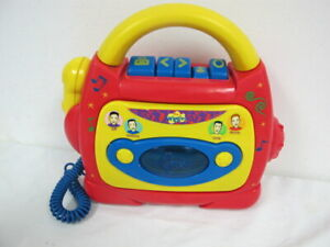 THE WIGGLES CASSETTE TAPE PLAYER RECORDER SING ALONG W MICROPHONE