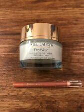 Estee Lauder Day wear 30ml With Free Lip Pencil Colour 18 Nude