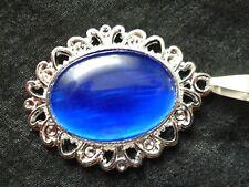 Halskette versilbert 60 cm,verzierte Fassung  oval mit Katzenauge Blau