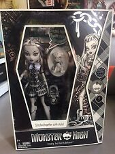 SDCC 2010 COMIC CON EXCLUSIVE MONSTER HIGH FRANKIE STEIN B&W GRAY SCALE NEW BOX