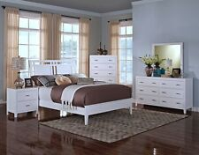 1pc Sleek & Glossy White Finish Contemporary Eastern King Size Bedroom Furniture