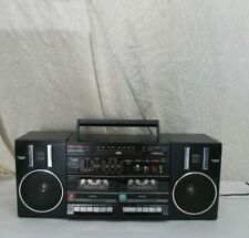 VINTAGE GHETTO BLASTER AM/FM STEREO W/ DUAL TAPE CASSETTE DECK BOOMBOX