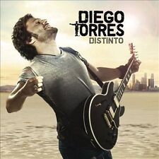 Distinto by Torres, Diego