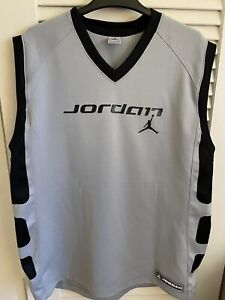 Mens Jordan Authentic Sports Products  Gray Black Heavy Polyester Jersey Mens XL
