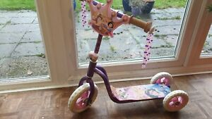Disney Princess Girls  Three Wheel Tri-Scooter Pink . New old stock