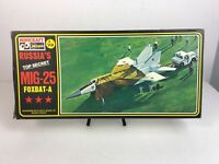 Hasegawa Minicraft - MIG-25 FOXBAT - A : 1/72 Scale Vintage Plastic Model Kit