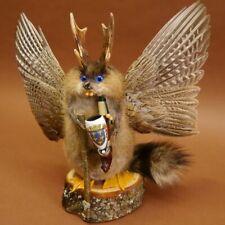 Wolpertinger Wolpi Präparat taxidermy mit große Flügel Pfeife Stock blauen Augen