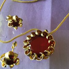 VINTAGE KRAMER GOLD TONE NECKLACE W/ LARGE RED GLASS PENDANT  EARRINGS--430