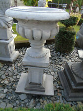 ancienne grande vasque en pierre bleu et socle  , la paire !!!