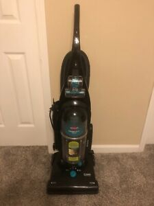 Bissell Cleanview Helix upright vacuum