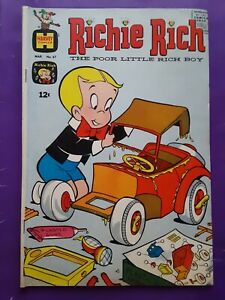 SCARCE Richie Rich #67 1968 Harvey Comics 1960s Silver Age #1