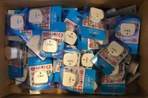 (RV517) 51 x Eurosonic UK 3pin Plug Travel Adapter USA EU AU Worldwide to UK