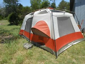 Columbia Cougar Flats II CB-9001-10 6-10 Person Tent w/Rain Fly Great Condition