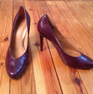 Coach 11 B Urban Garnet Purple Snake Skin Leather Heels Pumps