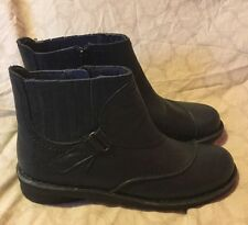 New Clarks Zip Up Black Leather Ankle Booties Boots Women's Size 6.5 M (box)