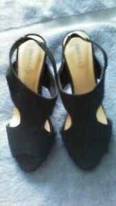 sling back suede shoes blck size 6